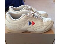 Cheerleading flyer trainers size 4