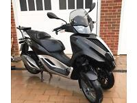 PIAGGIO MP3 LT 300 YOURBAN 2013 Can Ride on Car license