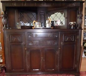 DISPLAY UNIT/SIDEBOARD.