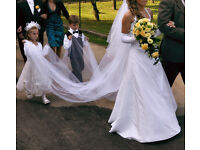 wedding dress + long wedding veil 10 FT