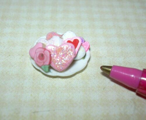 Miniature White Plate Valentine Cookies (#2), High Detail: DOLLHOUSE 1:12