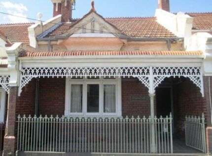 Room for rent - North Melbourne sharehouse