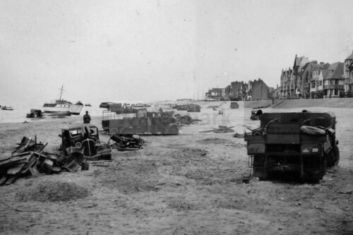 Abandoned allies vehicles on the beach of Dunkirk WW2 photo 4x6 #8