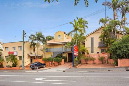 Studio Apartment in Fortitude Valley- No lease required!