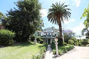 FURNISHED ROOM PLUS STUDY IN NICE BROOKVALE HOME. Brookvale Manly Area Preview