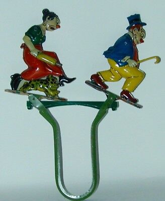Maggie & Jiggs Tin Litho Fighting Hand Held Squeeze Toy Guntherman Germany 1924