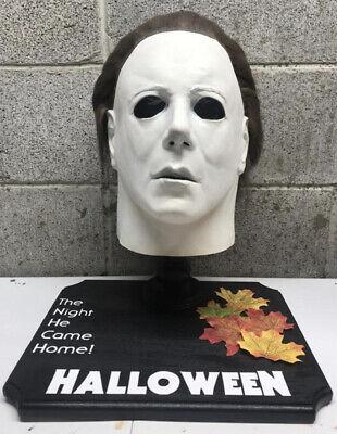 Halloween Michael Myers 1978 Mask Display Stand Custom Horror Movie Prop Display