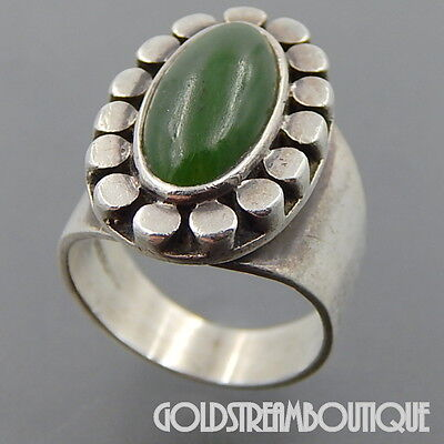 Jade Floral Band Ring - VINTAGE STERLING SILVER JADE PEBBLED EDGE OVAL FLORAL MODERNIST WIDE RING #06252