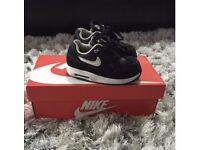 Toddler size UK 5.5 Nike trainers