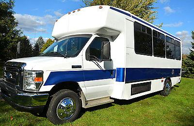 2009 Ford Champion 14-Passenger Shuttle Team Party Church Limo Bus van ** VIDEOS