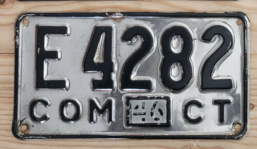 1946 CONNECTICUT Commercial  License Plate  46 CT COM   E4282