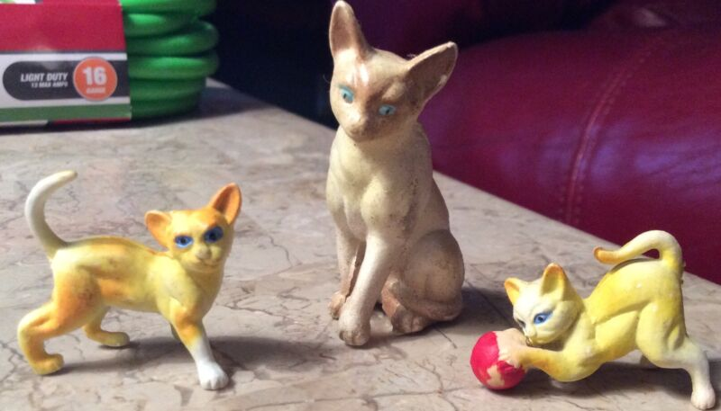 Toy Doll House Siamese Mother Cat Kittens Figurines Miniatures Plastic Hong Kong