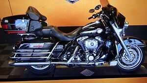Harley Davidson Ultra Classic FLHTCUI WITH LOW MILES