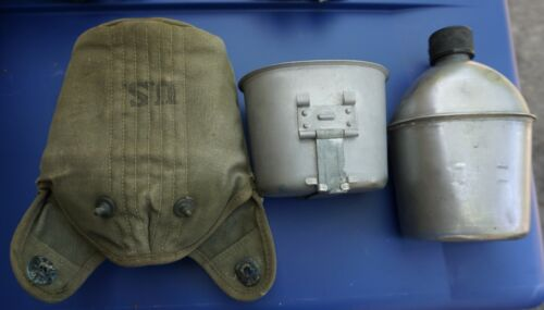 Army WWII canteen, cup, and canvas carrier, original (Loc K2 back tub)