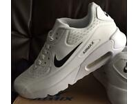 BRAND NEW NIKE AIRMAX 90S WHITE WITH BLACK TICK SIZE 8 AND 8:5 ONLY