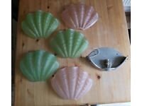 VINTAGE CLAM SHELL ODEON WALL LIGHT WITH 5 GLASS SHADES