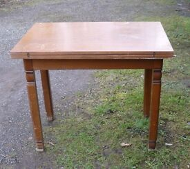 Dining table and chairs, can deliver