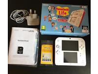 Nintendo 2DS white/ red with pre installed tomodachi life. + extra free game!!!!!