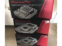 Pioneer CDJ 2000 NXS2 + DJM 900 NXS2 WHITE SETUP New Condition