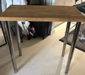 Solid oak kitchen breakfast bar/desk and two stools