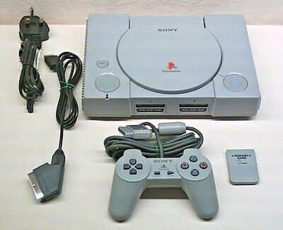 REGION FREE. CHIPPED SONY PLAYSTATION 1 / PS1 SCPH-5552 BUNDLE (8).