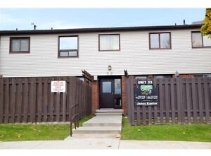 Looking for 960 glen st townhouse rental