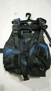 Womens Oceanic Hera BCD - Size M - CHEAP PRICE - Used Once! Mindarie Wanneroo Area Preview