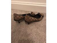 Geniuene Gucci shoes size 6