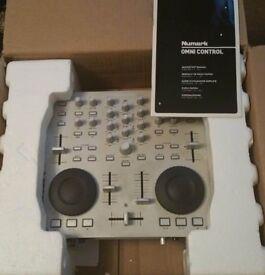 Numark Omni Control (DJ Controller from Numark with software)