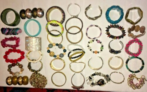JOB LOTS 39 RARE BANGLES BRACELETS CHUNKY BEAD METAL PLASTIC OR CELLULOID CHAINS