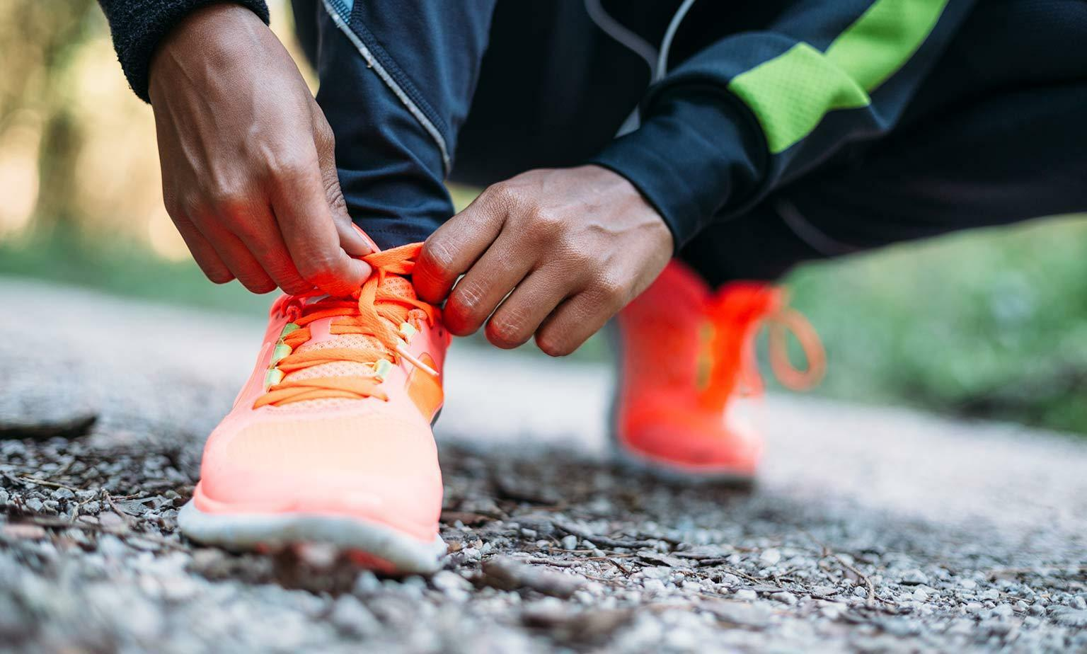 Sportkleidung, Fitnessgeräte & Elektronik