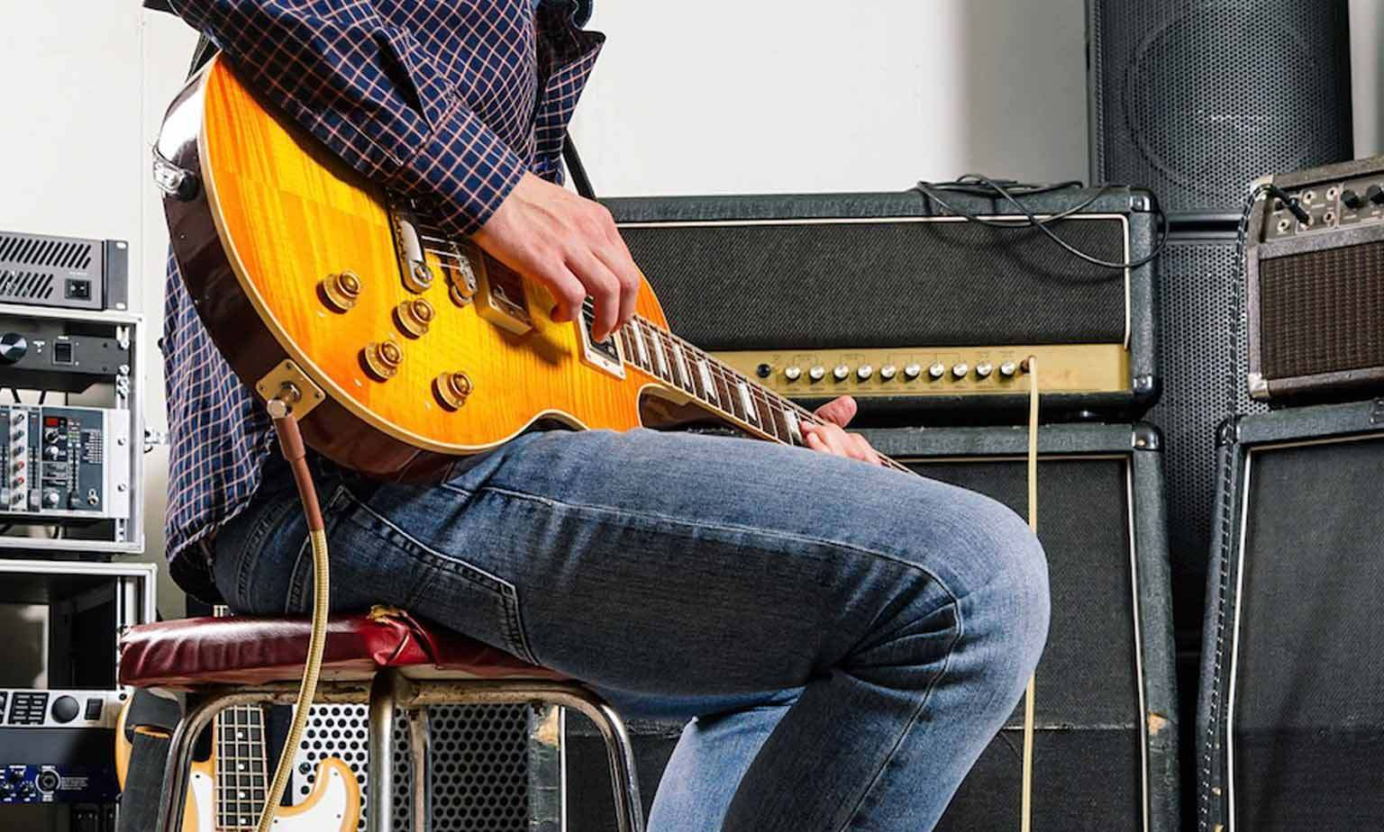 Sam Ash Pre-Owned Instrument  Sale