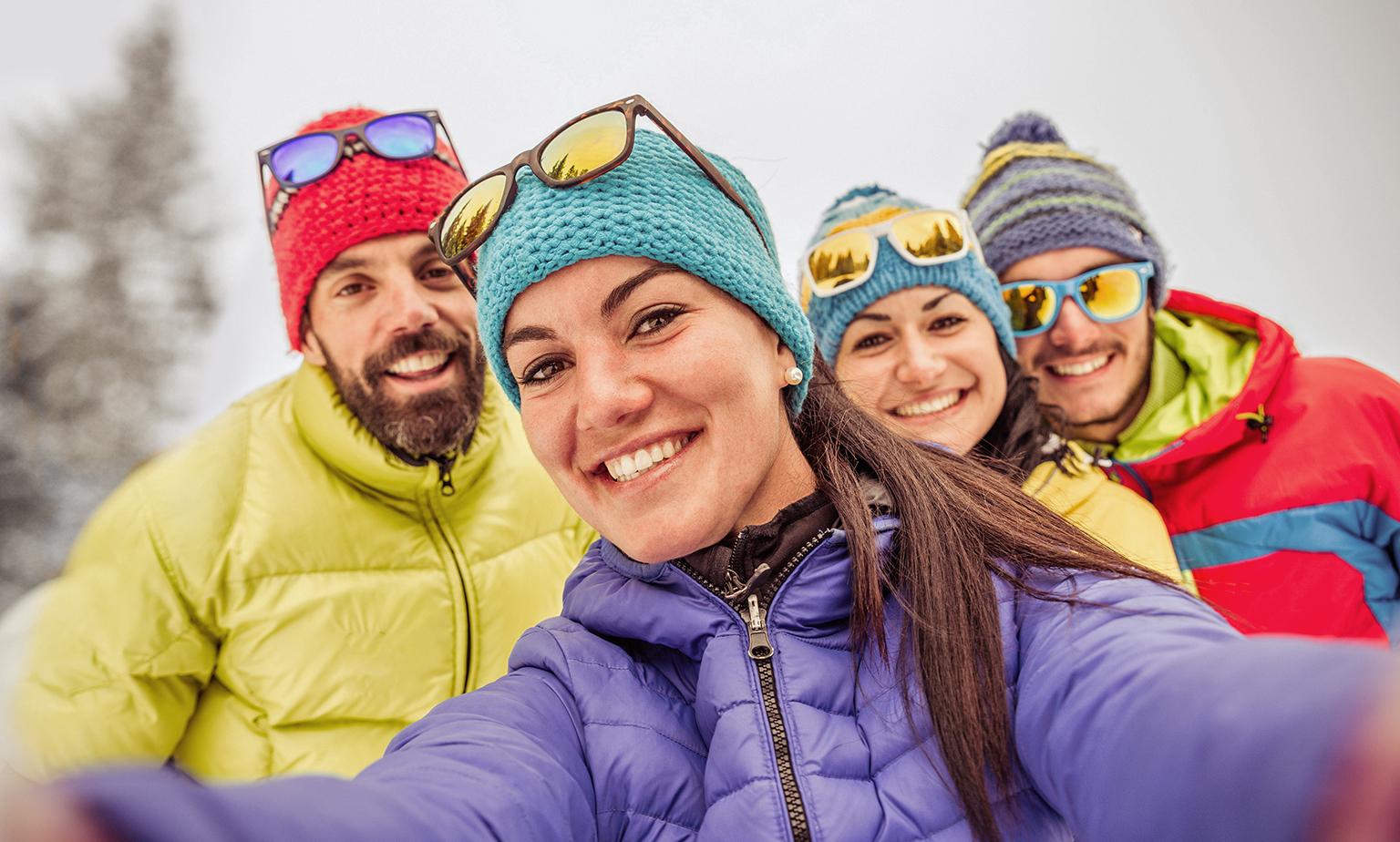 Skijacken, Schneebrillen und mehr