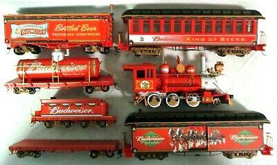 Bachmann Hawthorne Village 14-00904-001 Budweiser Holiday Illuminated Train Set