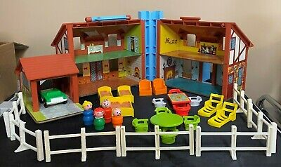 Vintage Fisher Price Play Family House Little People #952 W/ Accessories Lot 30