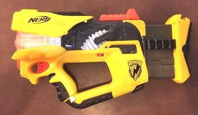 NERF N-Strike Firefly Rev-8 With Glow In The Dark Darts C-2822A  2005