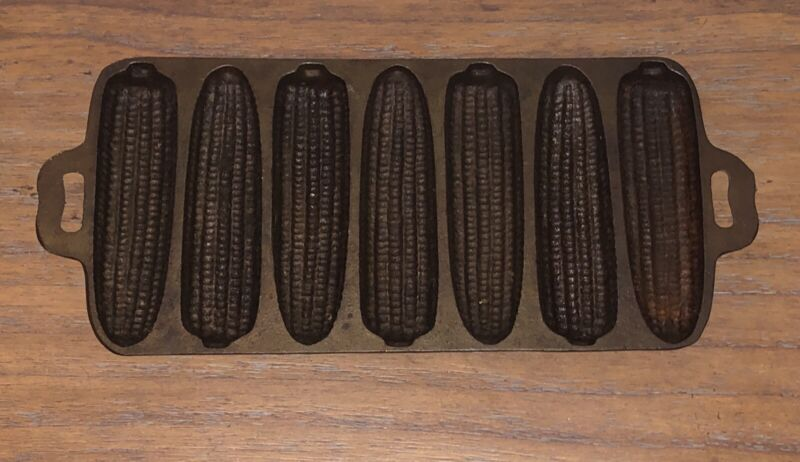 Antique Cast Iron Ear of Corn Baking Mold Cornbread Pan
