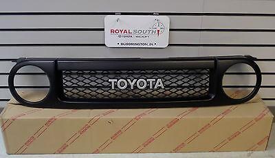 Grille Toyota Fj Cruiser (Toyota FJ Cruiser Special Edition Black Painted Grille Genuine OEM)