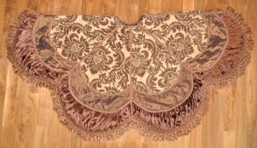 """Palazzo Tree Skirt by Frontgate 72"""" Large"""