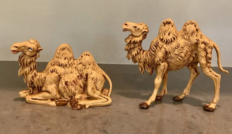 Vintage FONTANINI DEPOSE Camels Lot Nativity CHRISTMAS Seated Standing 1983