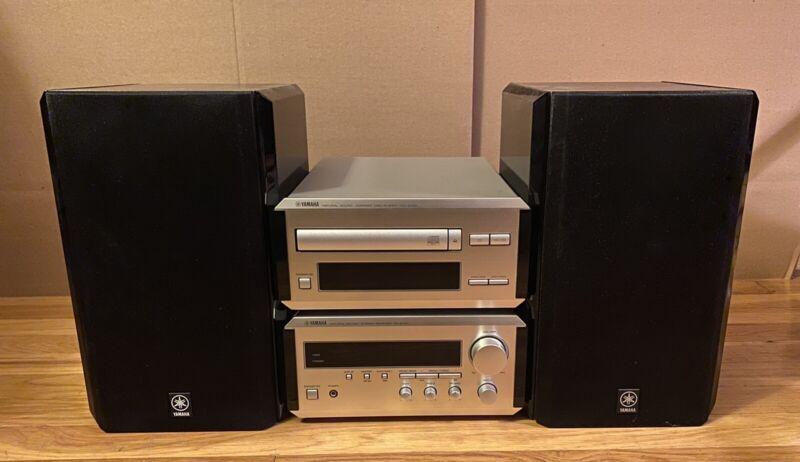 Yamaha Mini Component Stereo System RX-E100, CDX-E100, NX-E100 Speakers, Remote