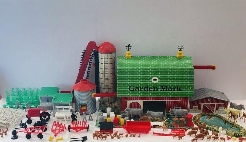 """Vintage 1961 Tin Litho Superior Toys """"Garden Mark"""" Toy Farm Montgomery Ward"""