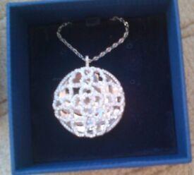 UNUSED Swarovski flower pendant (features a flower like an Arab style pattern) beautiful