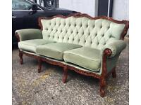 ** ITALIAN STYLE BUTTON BACK FANCY SETTEE IN VERY GOOD CONDITION **