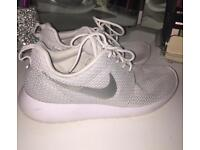 Grey Nike roshe runs