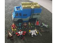 Ben 10 rust bucket okay set & figures