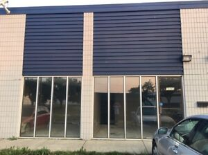 Commercial Warehouse Westend 2500Sqft