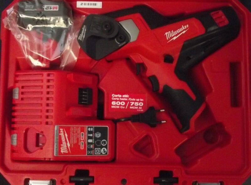Milwaukee 2472-159 M12 12V Cordless 600 MCM Cable Cutter Kit 220-240v Euro