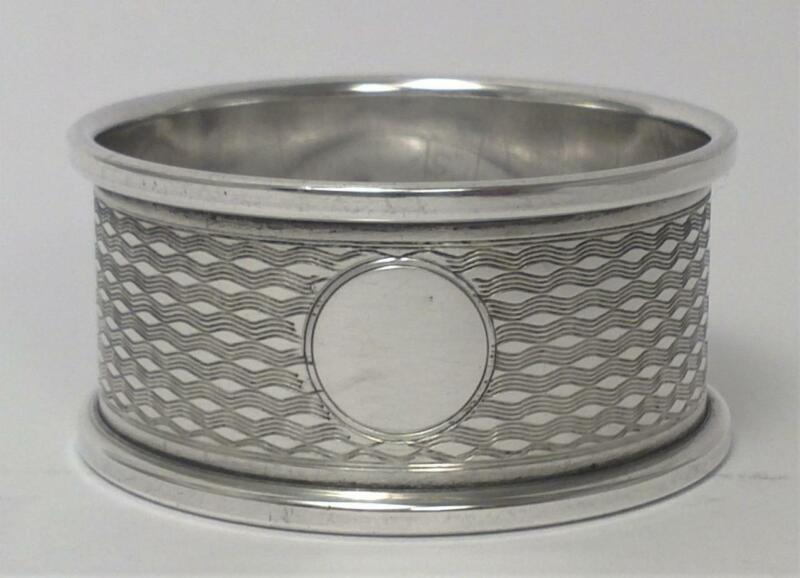 Art Deco Sterling Silver Napkin Ring (not inscribed) – Hallmarked 1920