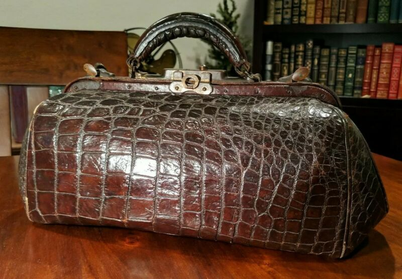 Antique ALLIGATOR LEATHER DOCTOR